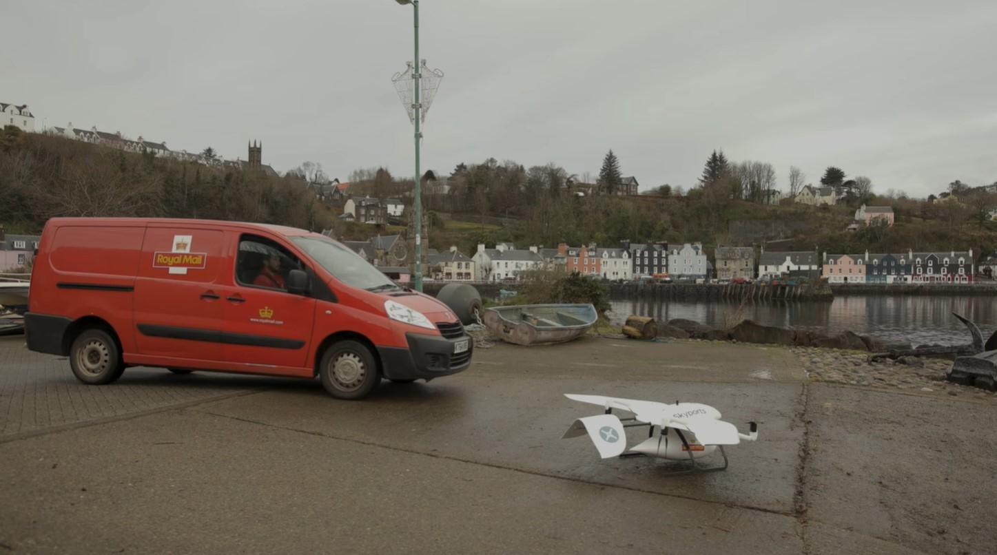 Королевская почта Британии доставила первую посылку дроном на остров Малл.