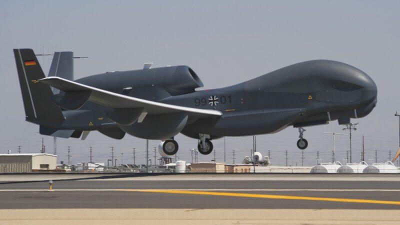 Немецкий дрон Euro Hawk должен быть доставлен в Военно-исторический музей бундесвера в Берлине