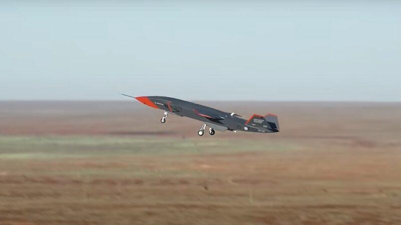 Беспилотник Boeing Loyal Wingman впервые поднялся в небо