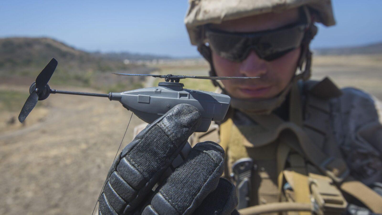 Армия США заключила контракт с компанией FLIR Systems на очередную поставку дрона Black Hornet 3