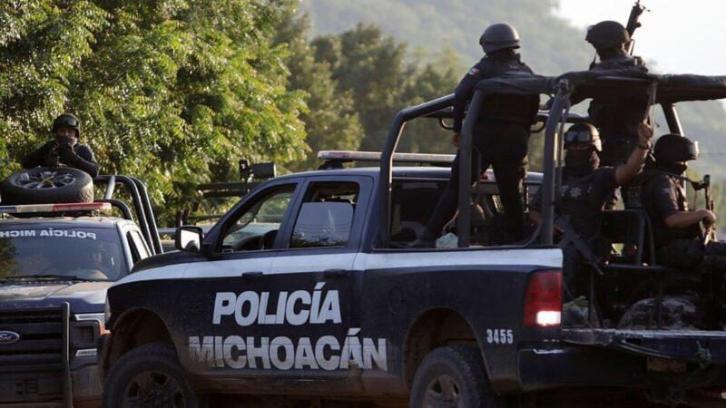 Мексиканские копы ловят дрон